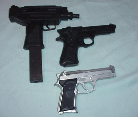 Peter Hassall - Guns various